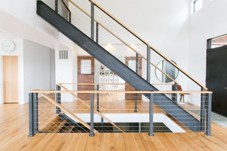 Stair with steel stringers